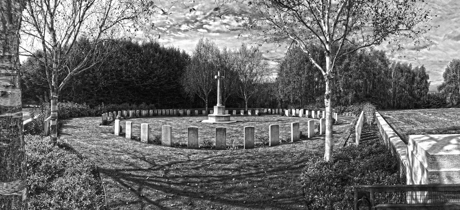 Hedge Row Trench Cemetery, Ypres (TFG, 2016).
